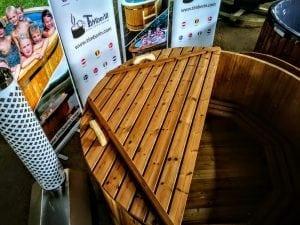 Holzbadebottich aus Thermoholz mit Luftspruddel und LED Licht 10
